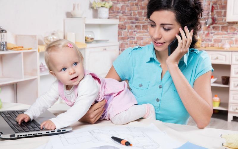 Как организовать свой день маме, работающей дома